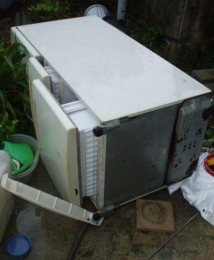 0713冷蔵庫の倒壊.JPG