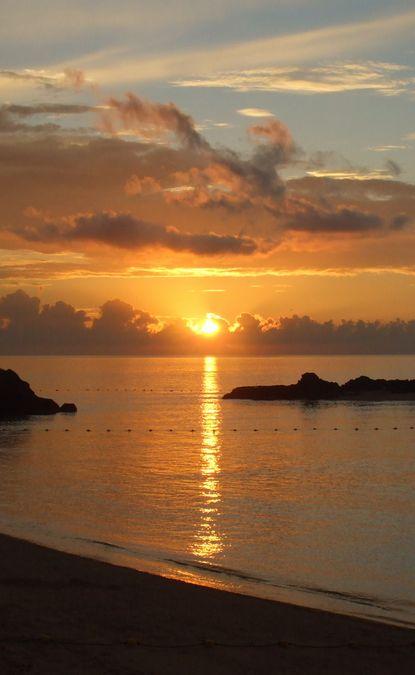 かりゆしビーチの夕焼け.JPG
